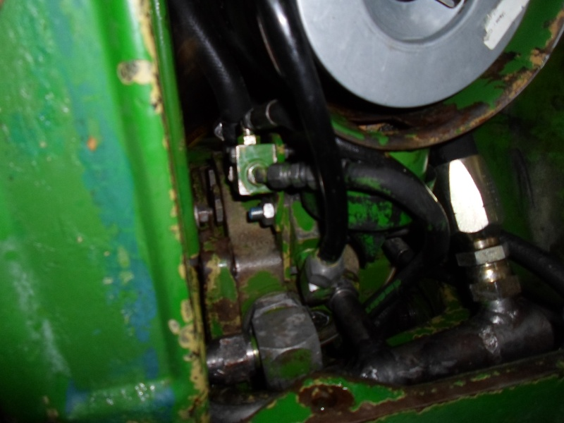jhon deere 2130 pompe hydraulique qui chauffe Sam_1512