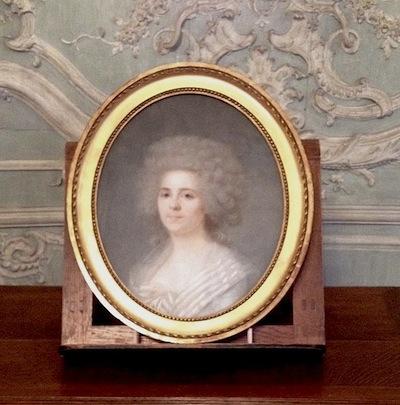 Mademoiselle Marie-Jeanne Bertin, dite Rose Bertin - Page 3 A1239b10