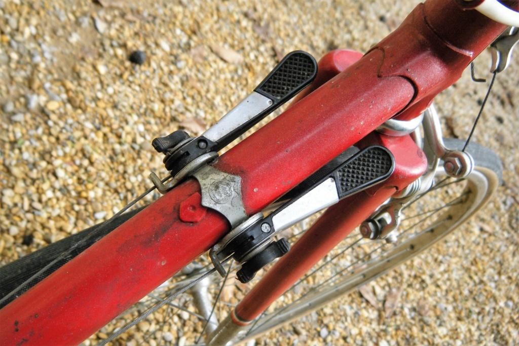 rochet 1980 probablement un des derniers ... Dscf0227