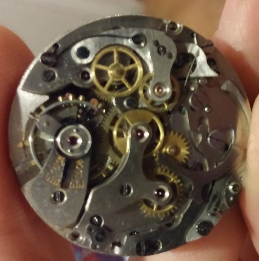 vulcain - [Postez ICI vos demandes d'IDENTIFICATION et RENSEIGNEMENTS de vos montres] - Page 21 111