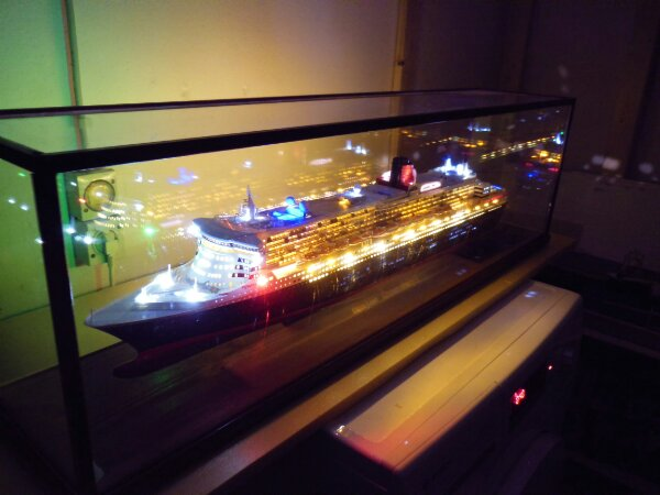Revell Queen Mary 2 1:400 20141137