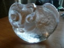 GLASS CAT PAPERWEIGHT P1010810