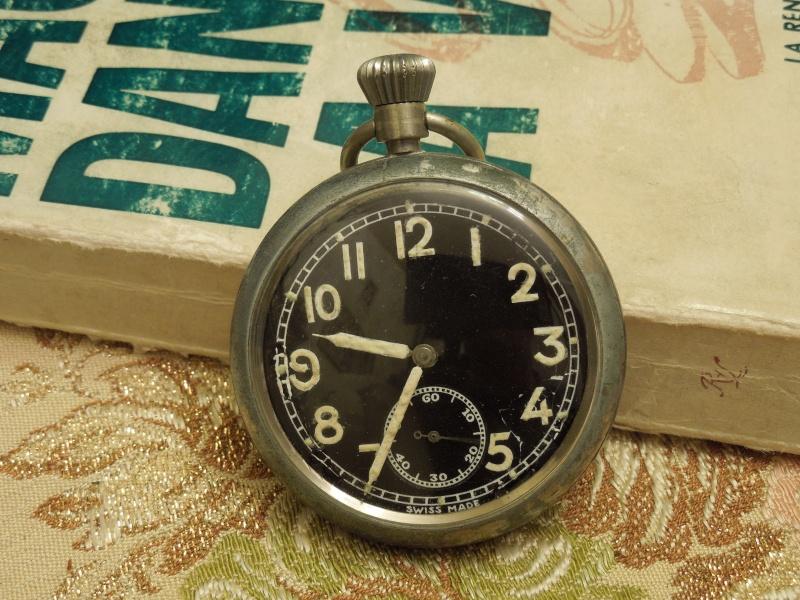 Les montres Zenith de l'armée de terre anglaise et allemande  Dscn4511