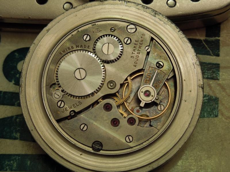 Les montres Zenith de l'armée de terre anglaise et allemande  Dscn4512