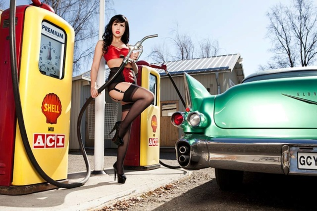 Hot Rod Pinup  - Page 13 26805210