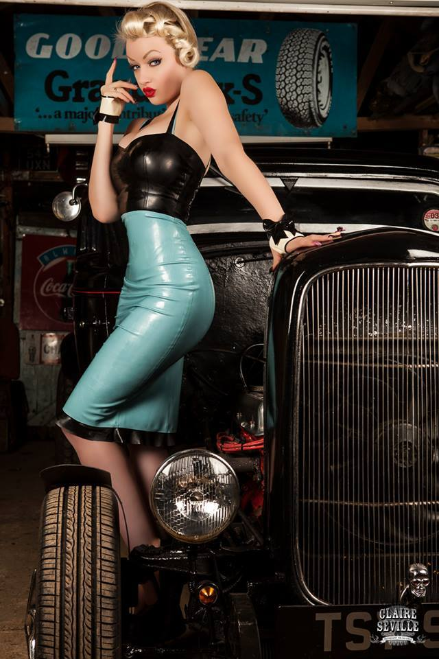Hot Rod Pinup  - Page 13 42855110