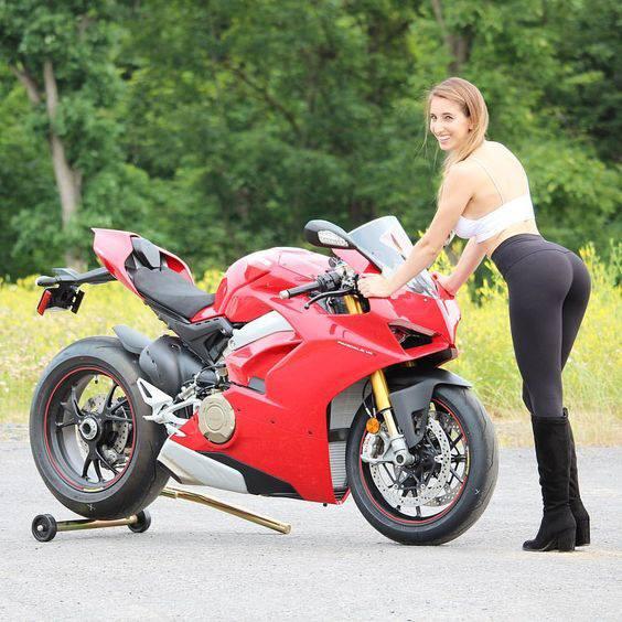 LES PIN UP A MOTO 44714710