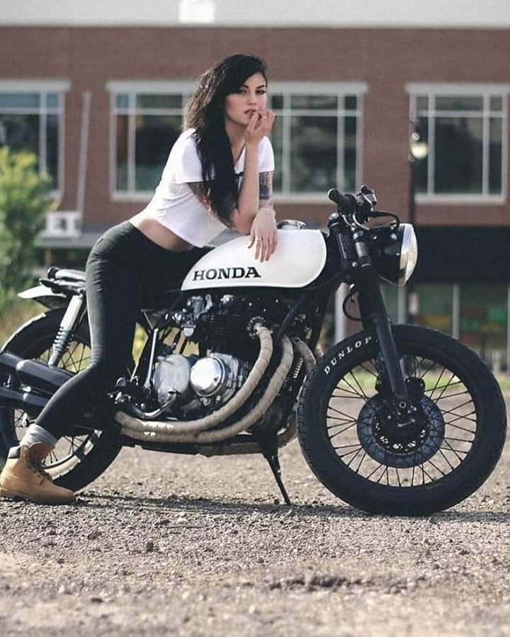 LES PIN UP A MOTO - Page 3 Fb_im103