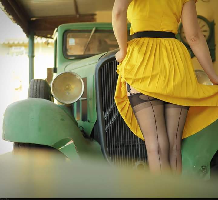 Hot Rod Pinup  - Page 13 Fb_img47