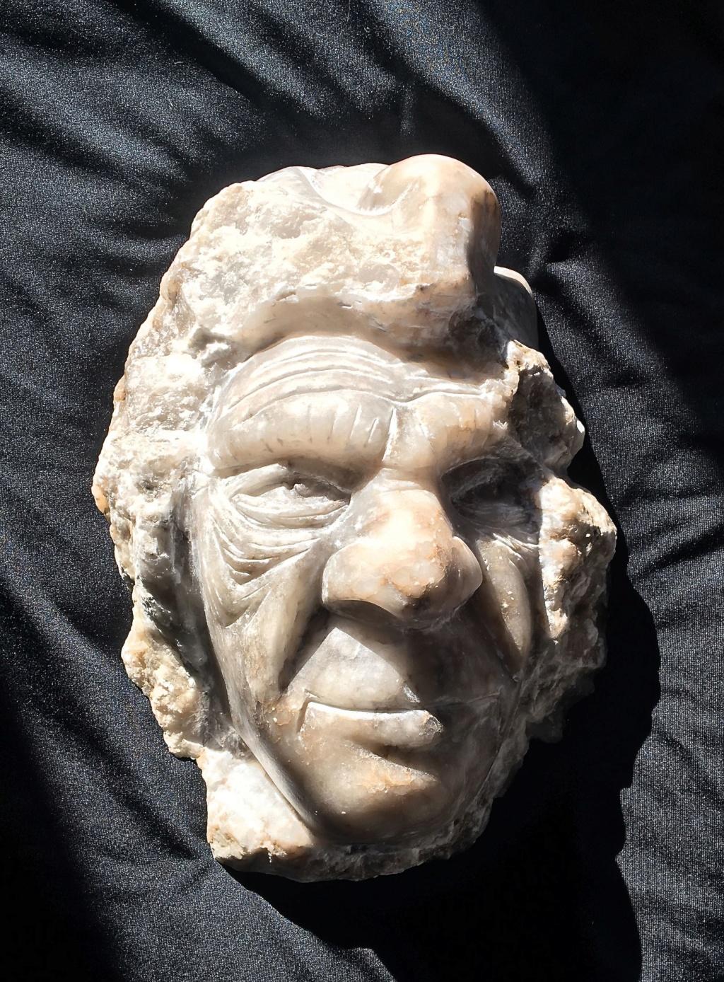 2 autres visage en pierres Img_3116