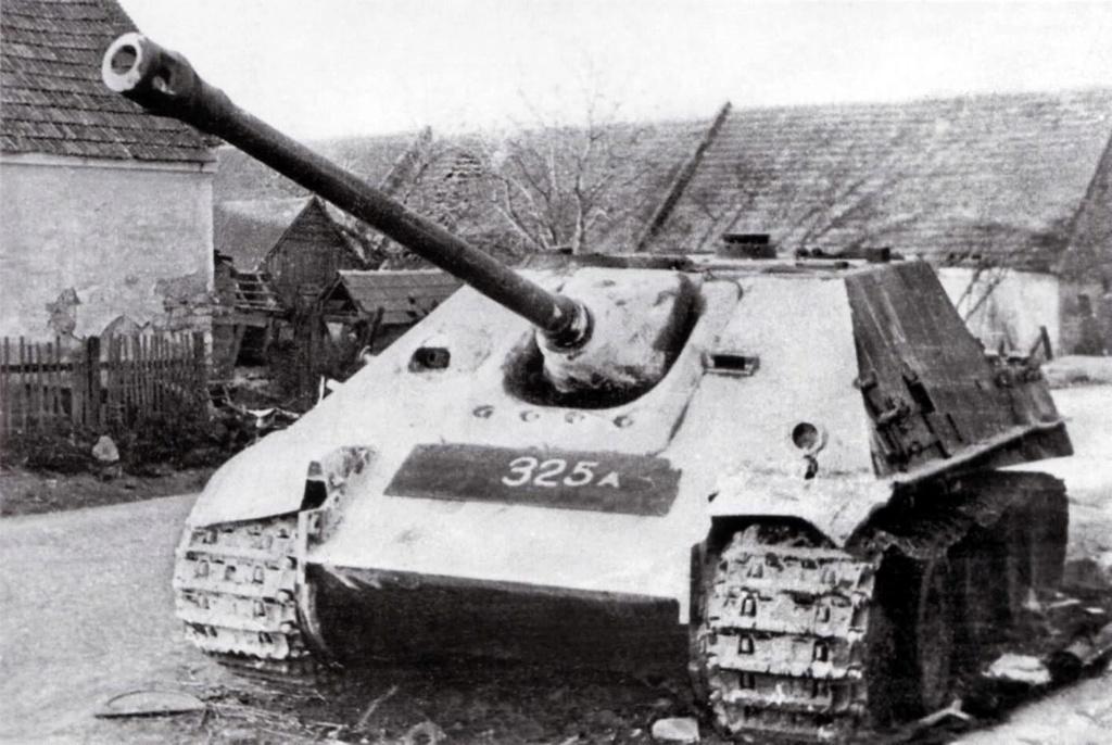 After the battle Allemagne 1945 - 1/35- Jagdpanther Tamiya+ jeep Willys Italeri+ figurines Soga/Stalingrad - Page 2 4c0y4612