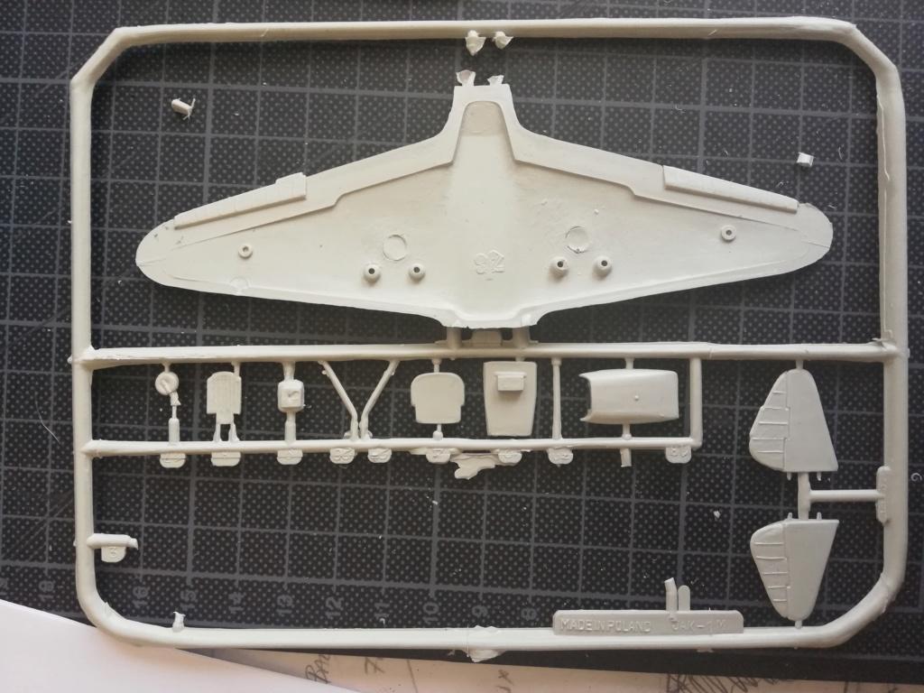 """YAK-1 """"early"""" produit avec des moules dignes de Tchernobyl... - Mister Craft - 1/72 Img_2102"""