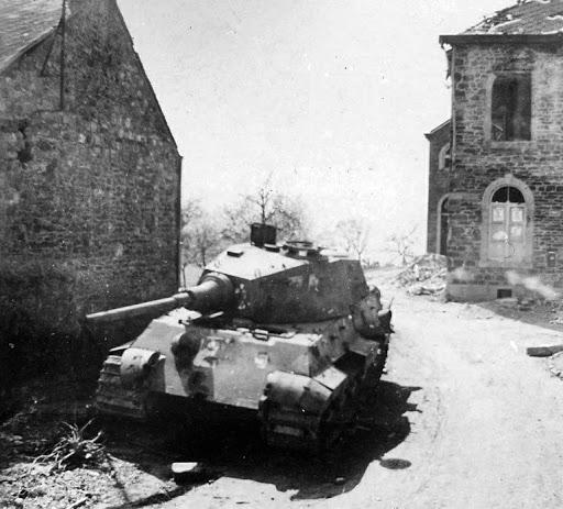Königtiger 1:35 Dragon  Ardennes 1944  Ktlagl12