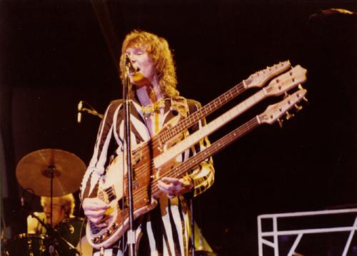 Cuartos de final: King Crimson vs. Dream Theater - Página 3 Chriss10