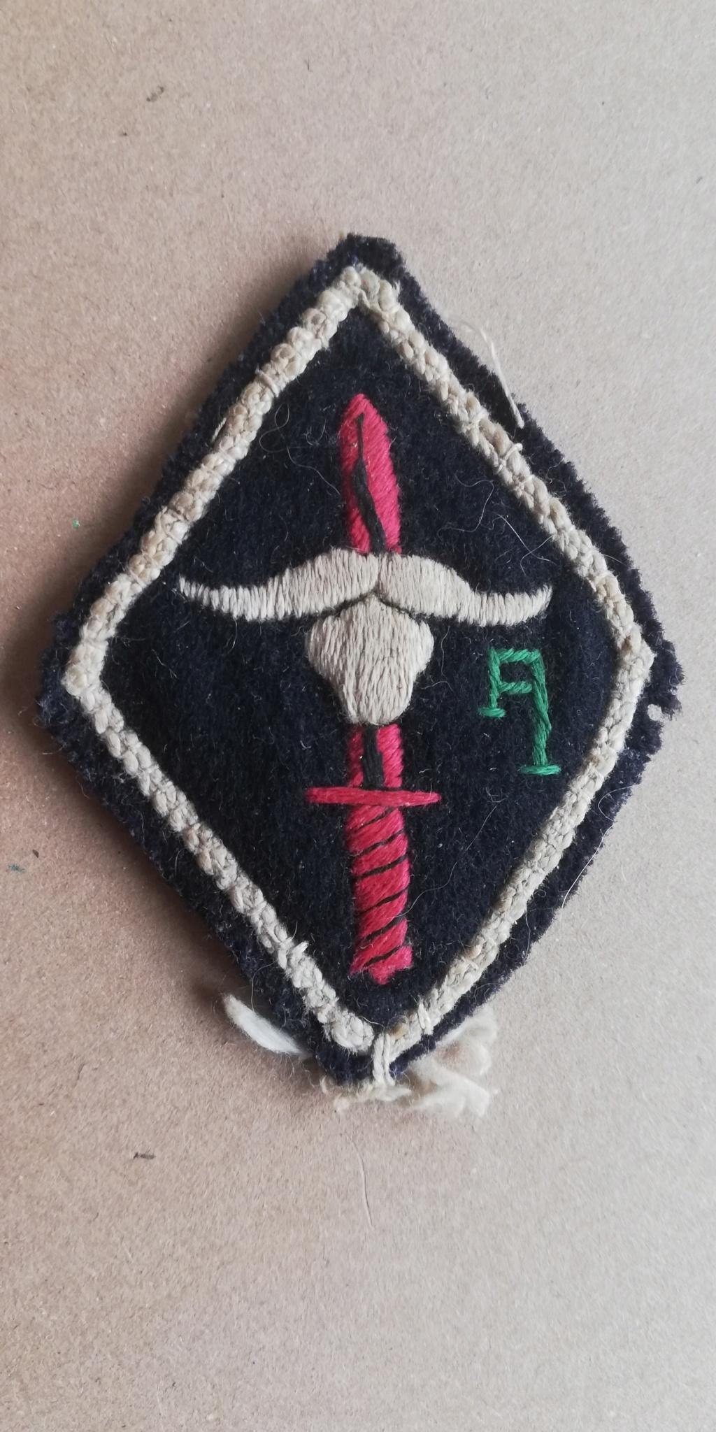 2 insignes Img_2194