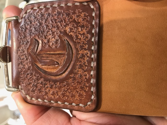 Accessoires en cuir pour le rasage - Page 28 Img_1319