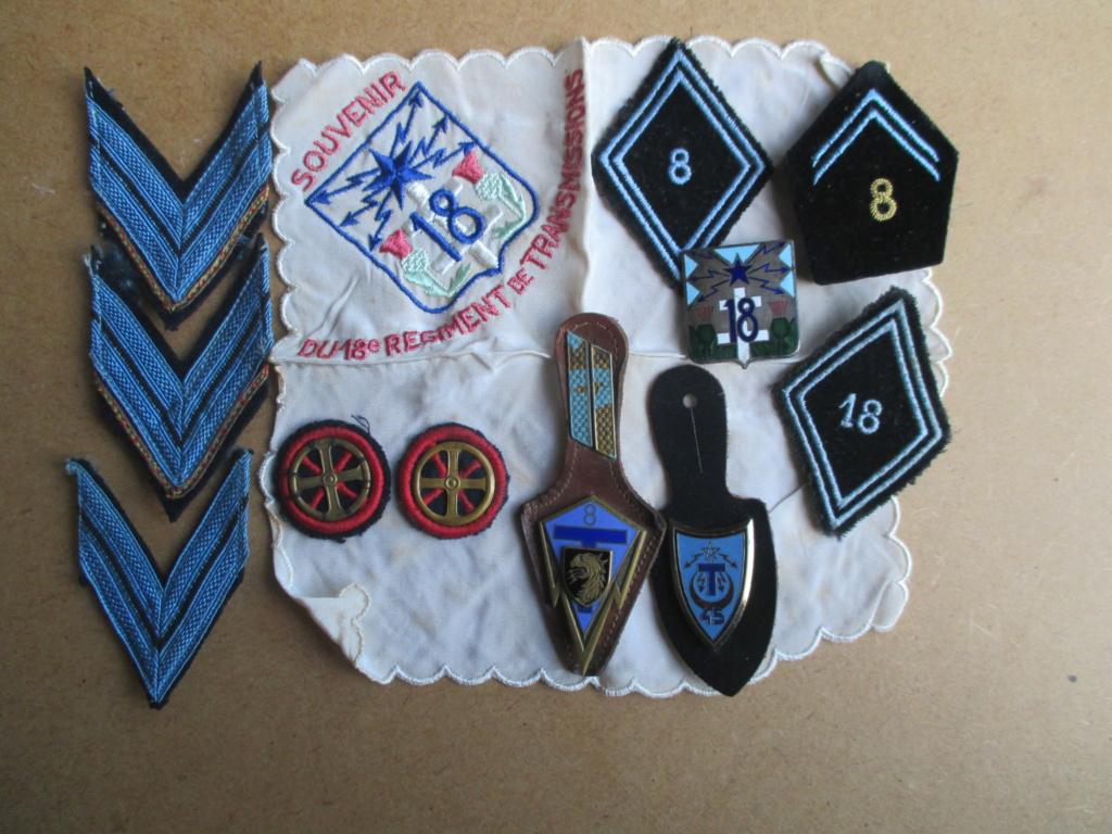 Insignes et galons régiment de transmission Img_2365