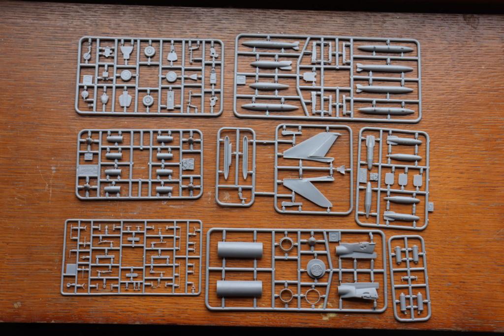 SUKHOI SU 7 BMK ( MODELSVIT au 1/72 )  Img_0364