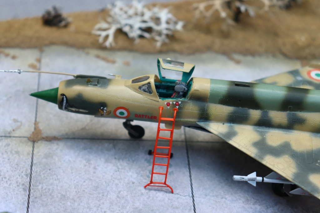 MIG 21 Bis India Air Force (RV aircraft au 1/72) ( fini page 6 ) - Page 6 Img_0924