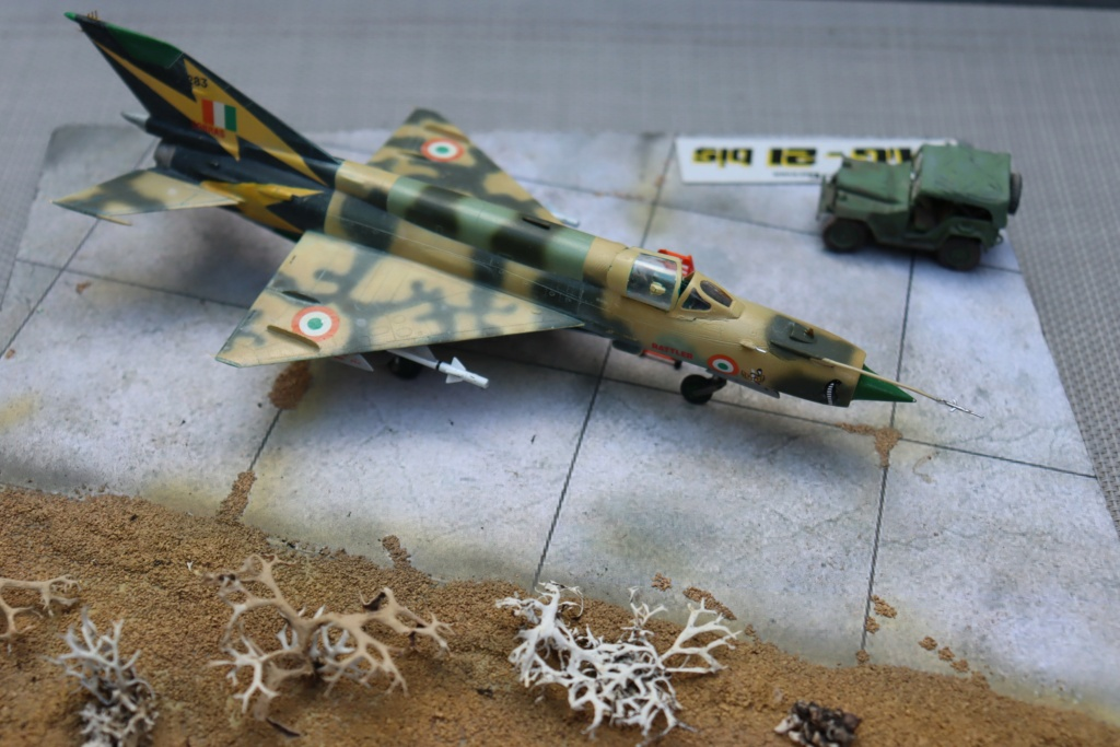 MIG 21 Bis India Air Force (RV aircraft au 1/72) ( fini page 6 ) - Page 6 Img_0926