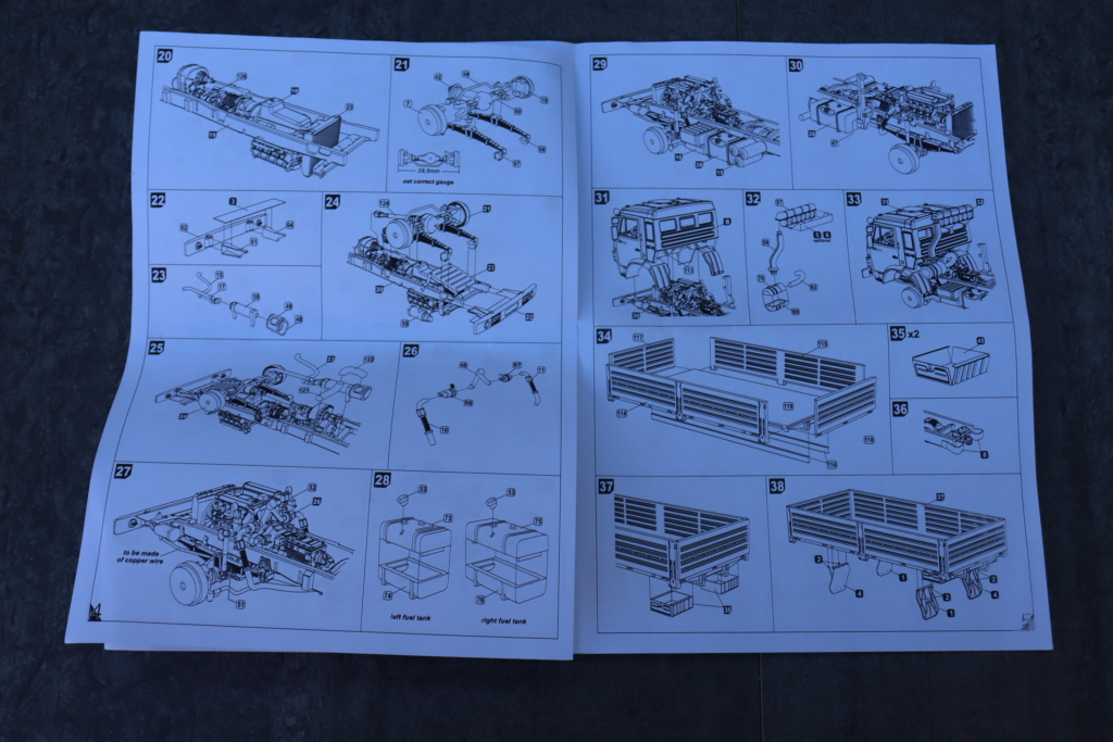 Ouvre boite camion Russe 5350 ( Armory 1/72 ) Img_1019