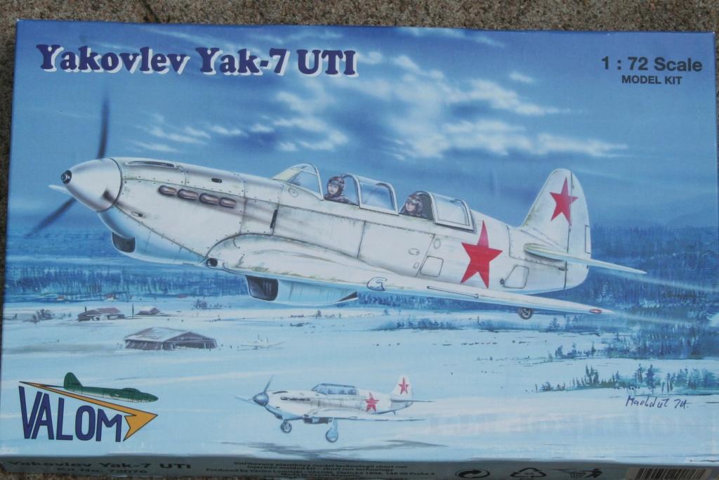YAK 7 UTI / V ( VALOM / 1/72 )  Img_3115