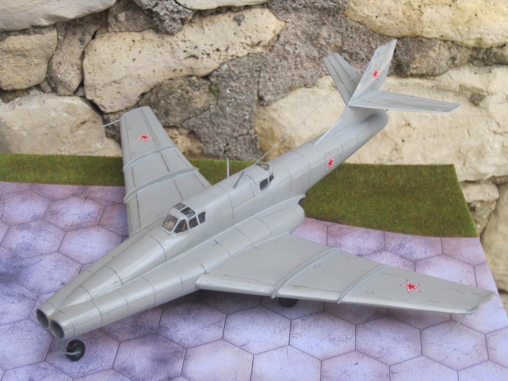 IL 102 ( A et A models 1/72 )  Img_8013