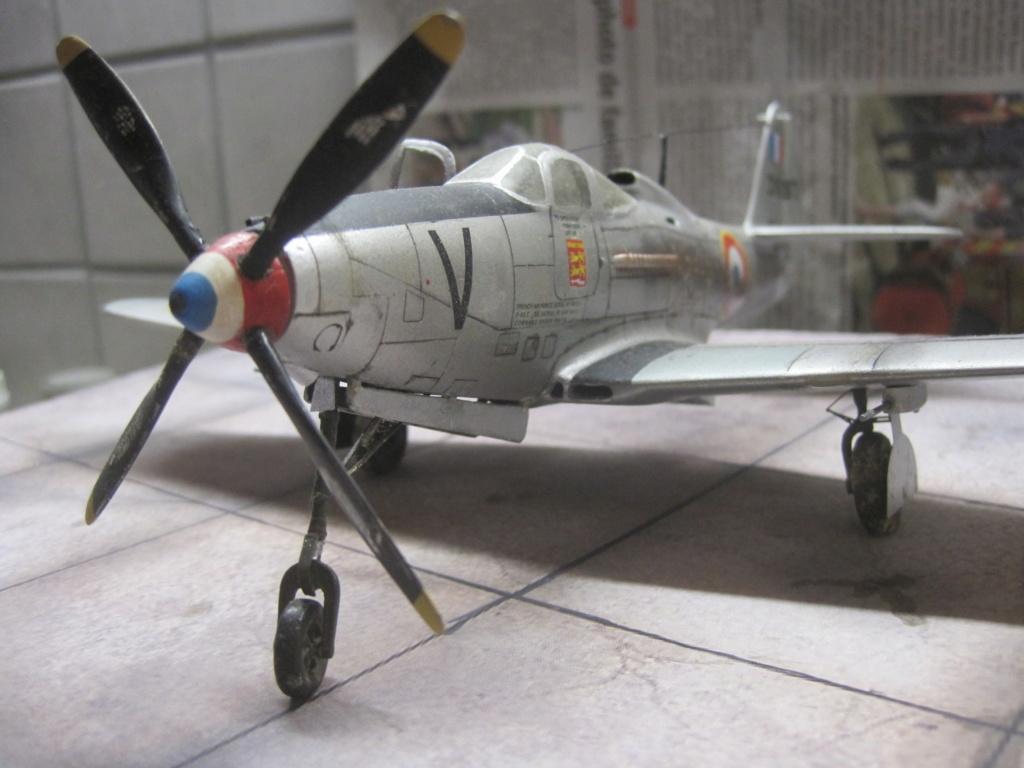 Bell P63C kingcobra ( AMG 1/72) Img_8618