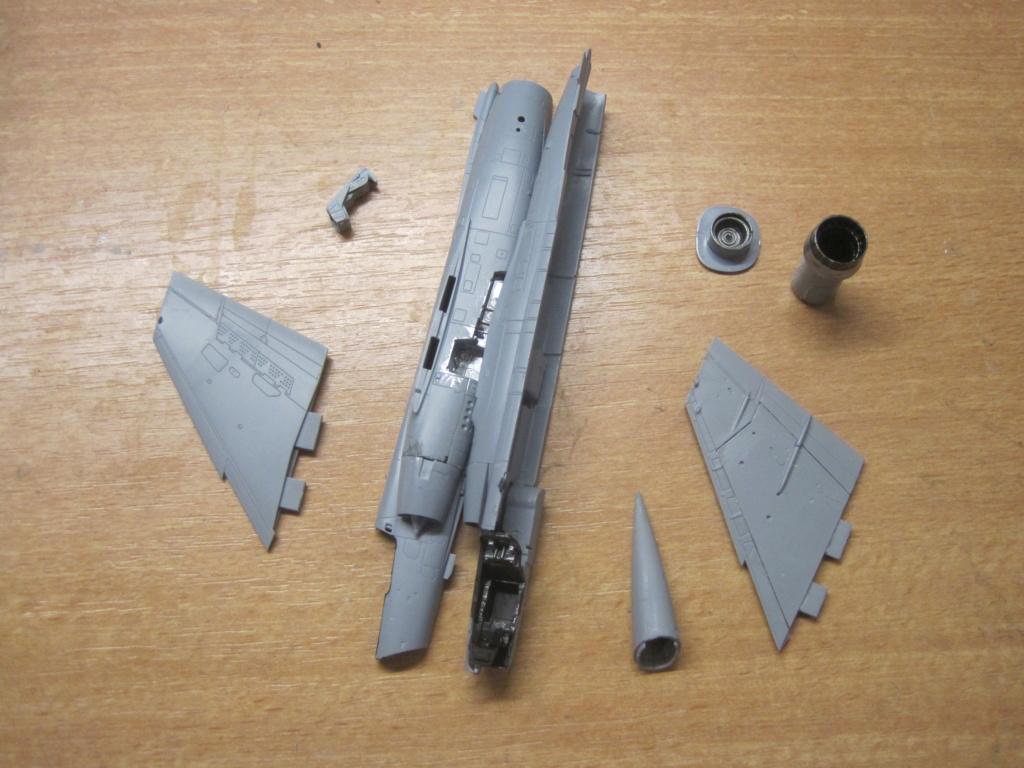 Mirage F1 C Normandie Niemen ( Special - Hobby au 1/72 )  Img_8628