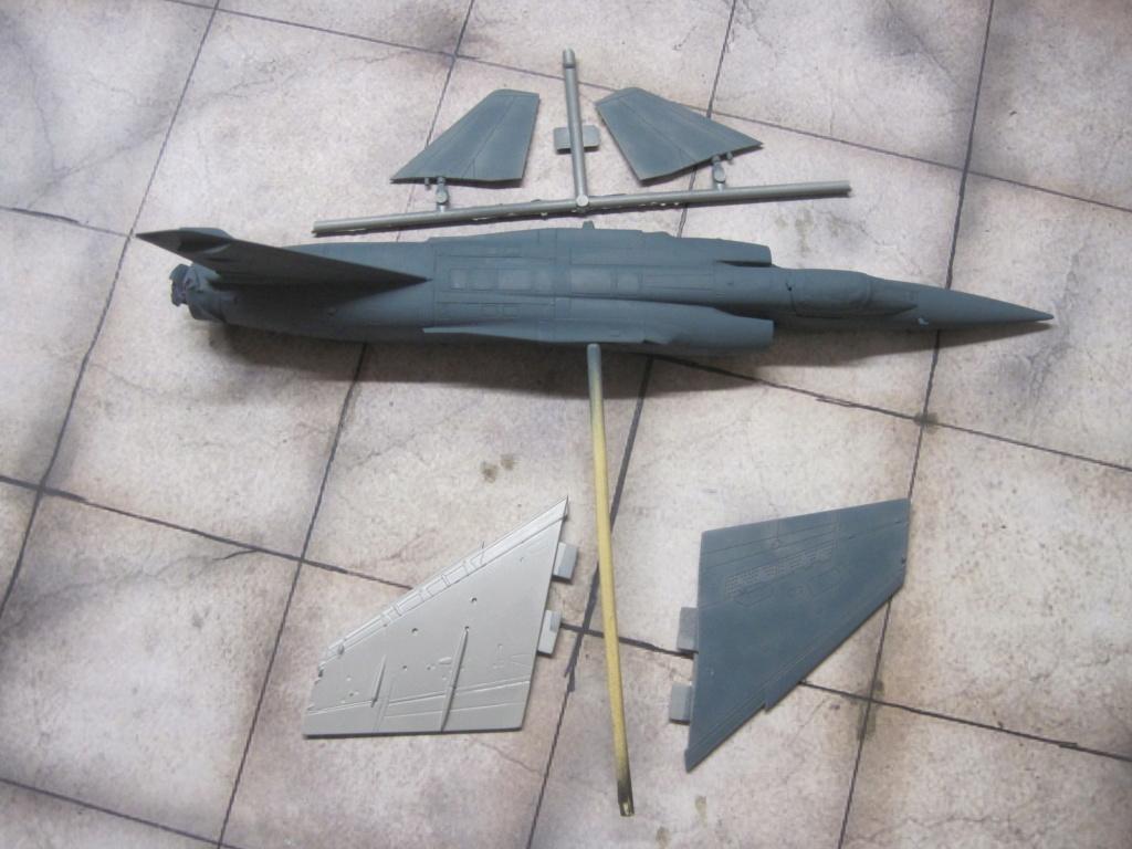 Mirage F1 C Normandie Niemen ( Special - Hobby au 1/72 )  Img_8636