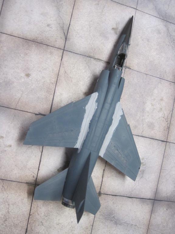 Mirage F1 C Normandie Niemen ( Special - Hobby au 1/72 )  Img_8638