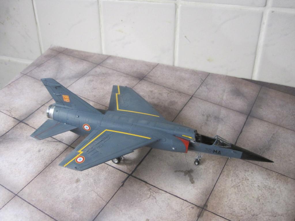 Mirage F1 C Normandie Niemen ( Special - Hobby au 1/72 )  Img_8641
