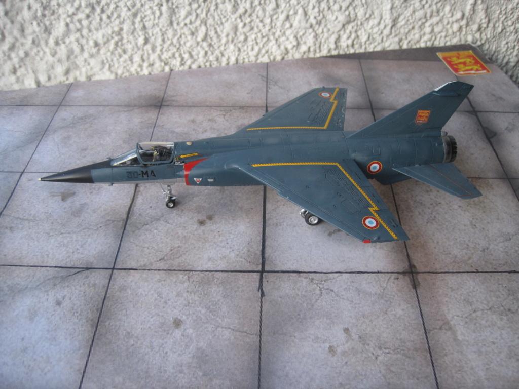Mirage F1 C Normandie Niemen ( Special - Hobby au 1/72 )  Img_8732