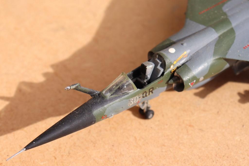 Mirage F1 CT au 1/72 ( HELLER avec ajout Spécial hobby )  Img_9518