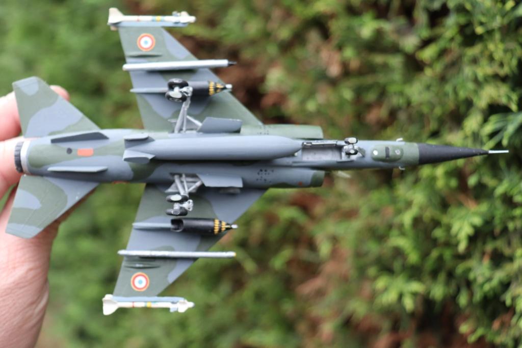 Mirage F1 CT au 1/72 ( HELLER avec ajout Spécial hobby )  Img_9520