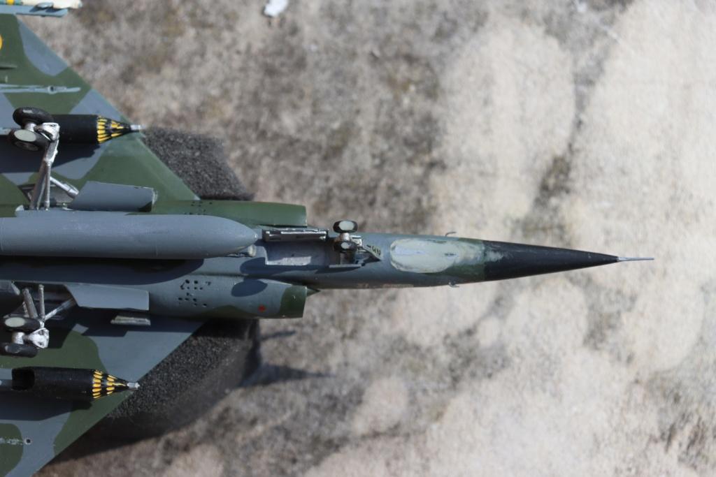 Mirage F1 CT au 1/72 ( HELLER avec ajout Spécial hobby )  Img_9560