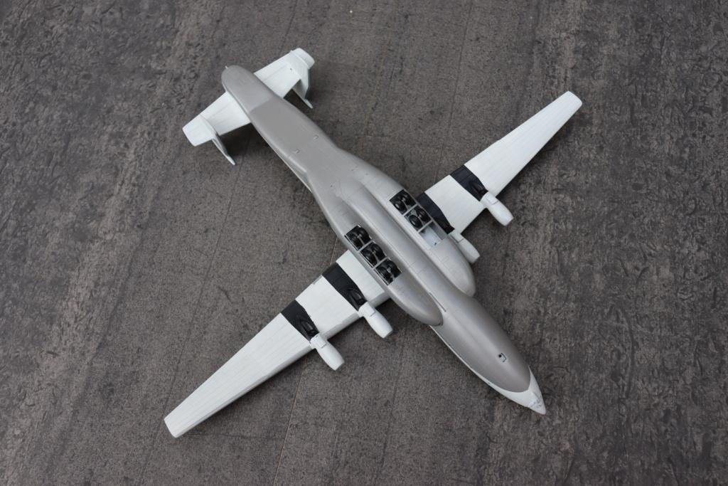 Antonov AN 22 ( AA au 1/144 ) - Page 2 Img_9913