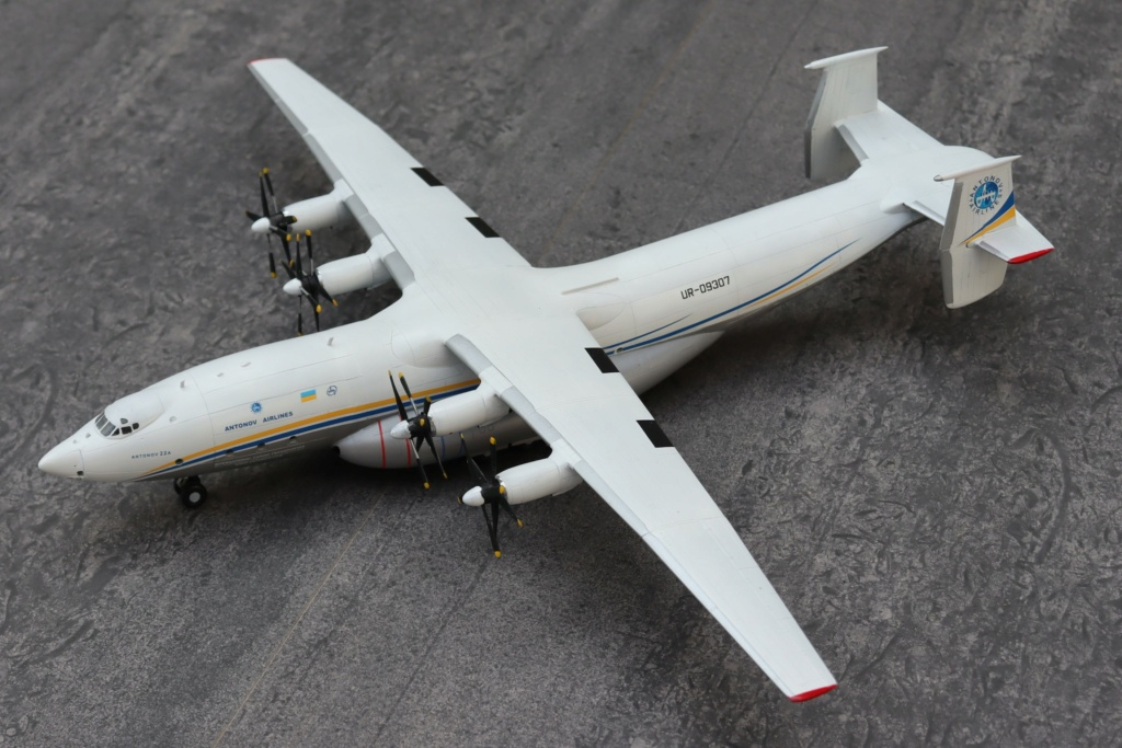 Antonov AN 22 ( AA au 1/144 ) - Page 4 Img_9929