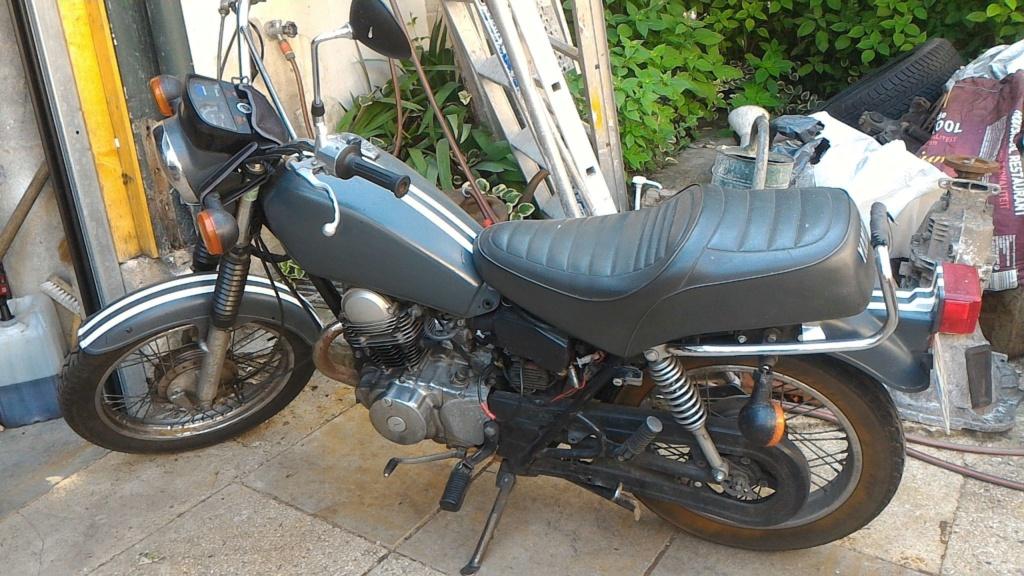 Nouveau avec sa SR125 de 1988 P_201810