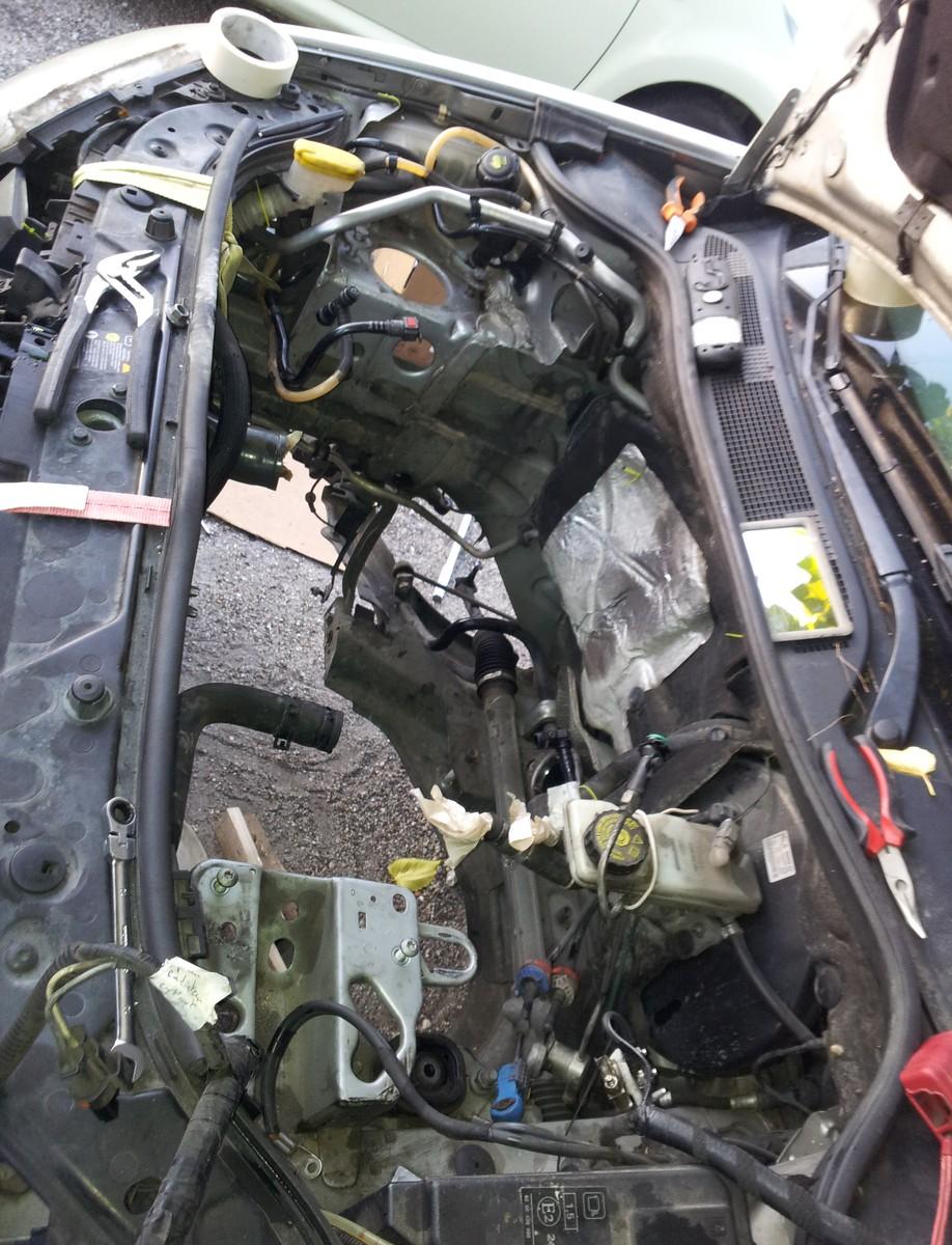 Fusible batterie noir 32V CAL2 qui claque 20180813