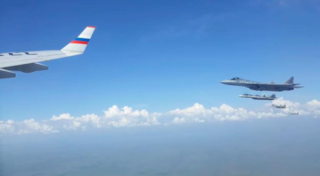 Putina pred sastanak sa Pompeom prati 6 Su-57 Slika227