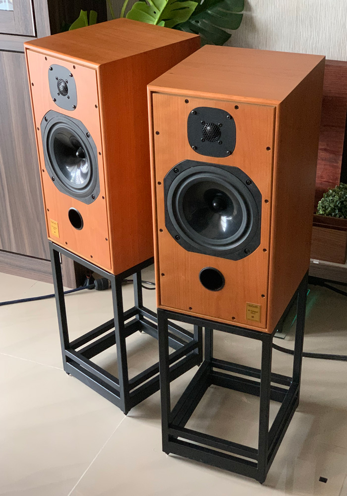 [SOLD] Harbeth C7ES3 speaker with stand Ha_0110