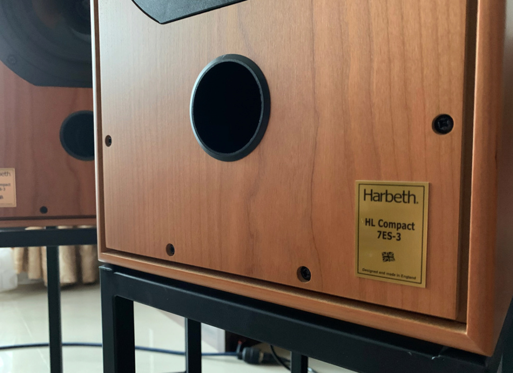 [SOLD] Harbeth C7ES3 speaker with stand Ha_0410