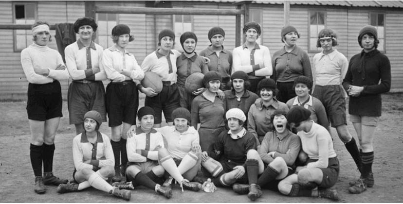 XV de France féminin - Page 3 Capt1982