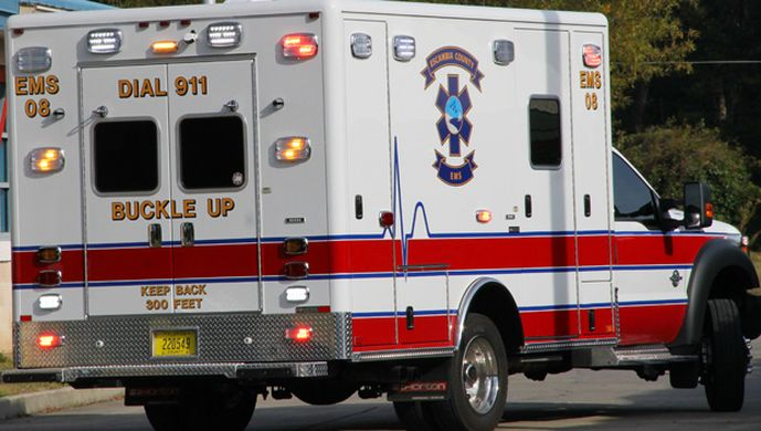 Présentation de l'Ambulancier Fols Stiw  Ems_fl11