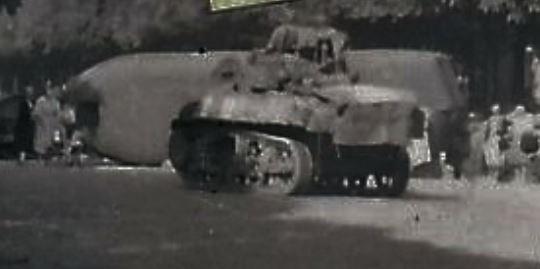 Half track et M3A3 Bd Arago ?  ibé 12_cui12