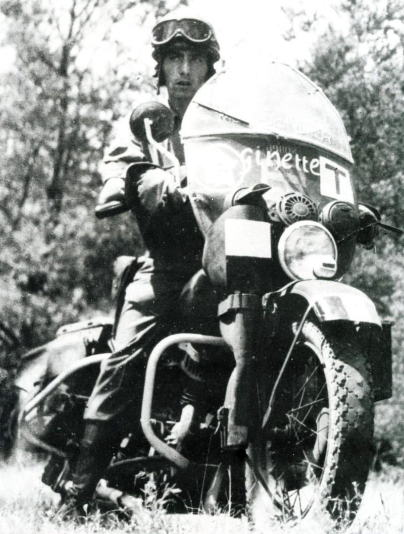 """""""Jeannette"""" Harley Davidson WLA de Daniel Guery en maquette 49804_10"""
