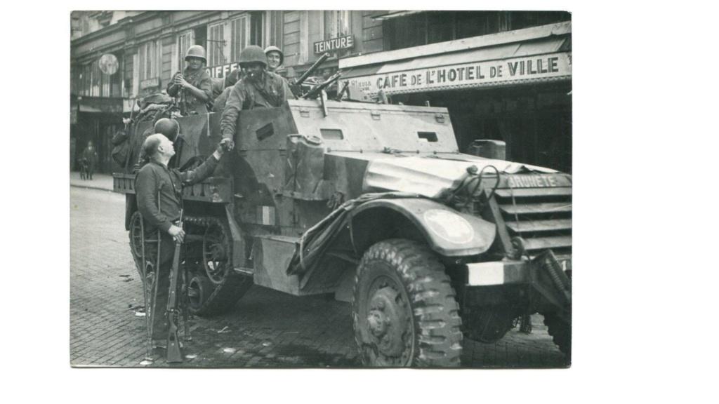 lot photos liberation paris datée 26 aout  et 29 sept 1944 - Page 2 Canvas11