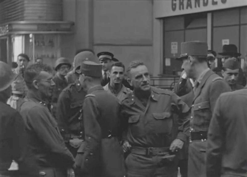 Film couleurvde STEVENS - Page 2 De_gau11