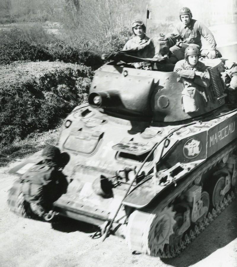 Anciens du 12ème RCA et du peloton de Lencquesaing  M8_le_10